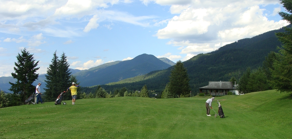 A Relaxing Round of Golf in the Slocan Valley
